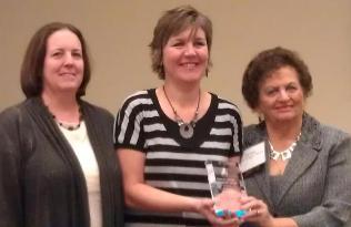 Carolyn Wetzel Continuum Award 2012 Carol Hendrix para web