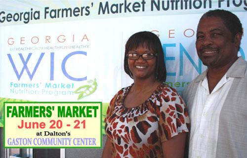 Brooke Walker de WIC del Norte de Georgia y Tom Pinson del Centro Comunitario de Gaston
